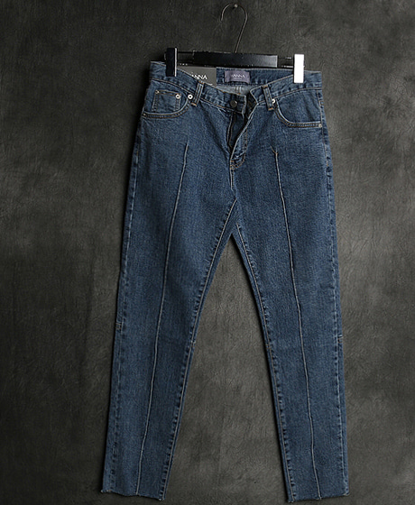 P-8008PINTUCK DENIM PANTS핀턱 데님 팬츠Color : 1 colorMaterial : denim